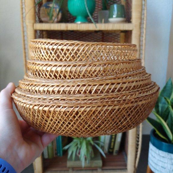 Vintage Set of 6 Nesting Tan Wicker Baskets